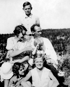 1933c cole family photo