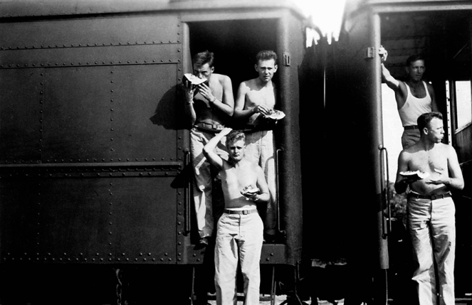 1942-8-7-train