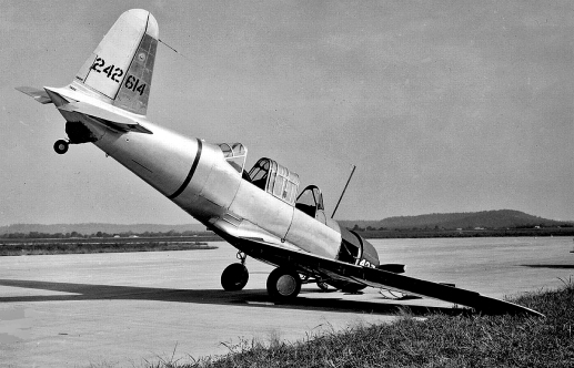 bt-13a-courtland-army-airfield-alabama-1943_zpscfb541d1