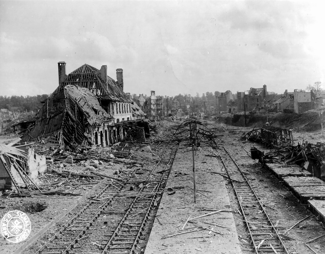 saint-lo%cc%82_railway_station_destroyed